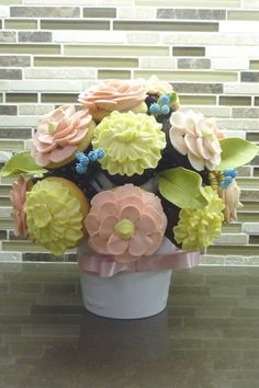 Cupcake Bouquet  Follow me on Twitter @ThePinnerGirl for sharing passion for cupcakes and more!