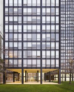 860–880 Lake Shore Drive, Chicago. Designed by Ludwig Mies van der Rohe, the two buildings are now considered characteristic of the modern International Style.