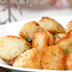 Even if you don't intend to freeze any other recipes ahead, cooking the potatoes from frozen is the most painless way to get perfect, crisp roasties. No peeling on Christmas Day! Vegetable Sides, Vegetable Recipes, South African Recipes, Ethnic Recipes, Frozen Potatoes, Frozen Meals, Potato Dishes, Other Recipes, Good Food