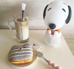 빵 지겹다그램 커피는 맛있네요~^^ . . . #던킨도너츠#큐브라떼#라떼 #맛있다그램#커피#아이스커피 #빵#지겹다그램#빵스타그램 #먹방#빵빵빵#일상#데일리 #coffee#latte#cubelatte