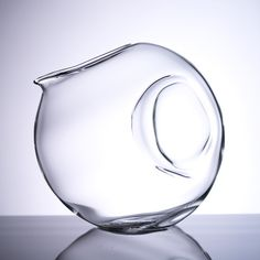 """Fugu Decanter- Meaning """"blowfish"""" in Japanese, the FUGU is designed by Studio Sano.  #wine #design #decanter #blowfish"""