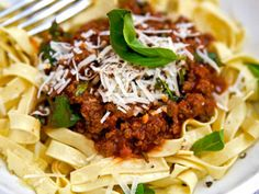 0,5 dl crema di balsamico Quorn, Pasta Bolognese, Parmesan, Pasta Noodles, Vegetarian Recipes, Spaghetti, Beef, Snacks, Vegan