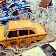 Sunday morning, time to play with the kids with mini model cars and of course our Tauchmeister Germany watch. Take the time !! ⌚  #uigwatch #largegermanwatches #bigwatch #tauchmeister #sunday #sundayfunday #kids #cars #newyorktaxi #modelcar #germany #watch #watchporn #policecars #watchoftheday #mensstyle #mensfashionstyle #menstuff #mensfashion #menstyleguide #montre #montredesign #armbanduhr #uhren #reloj #relojes #orlogi #fashionwatch #takethetime #qualitytime www.uigwatch.com