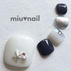 再..販*フットネイル*足用フルペディ*大人マリン*スターフィッシュの配色blueネイル* Cute Toe Nails, Cute Acrylic Nails, Toe Nail Art, Toe Nail Designs, Pedicure Designs, Hair And Nails, My Nails, Hawaiian Nails, Japanese Nail Design
