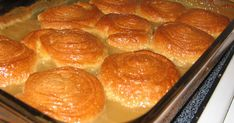 Maple syrup is divine! It's in French - just use a translator Parfait Desserts, Easy Desserts, Cupcake Recipes, Dessert Recipes, Apple Cinnamon Bread, Croissant Recipe, Desserts With Biscuits, Haitian Food Recipes, Pillsbury Recipes