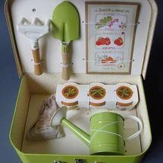 gardening gift for kids Seed Packaging, Flower Packaging, Seed Starter Kit, Birthday Gifts For Husband, Birthday Box, Bff Gifts, Kits For Kids, Craft Box, Diy Kits