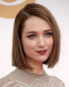 des cheveux lisses, coupe carré impeccable, modèle coiffure courte intemporel