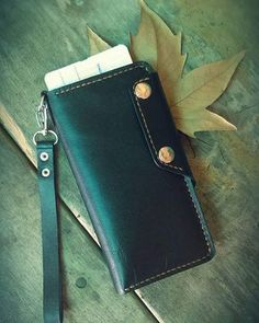2 отметок «Нравится», 0 комментариев — Armen Xachatryan (@leathercrafts_leather_wallets_) в Instagram