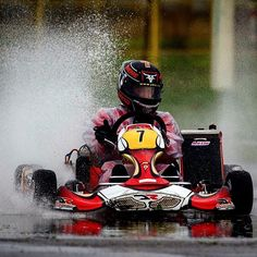 Splashing around on the track #kart #karting #kartingmania #kartinglife #racing #motorsport #race #racecars #love #wet #water #rain #dr #drracing #drracingkart #jms #jmsperformance #7 #FC7 #newline #alpinestars #omp #araihelmet #tmracing #tm #vega #vegatires #fun #red #kartingemotionandpassion