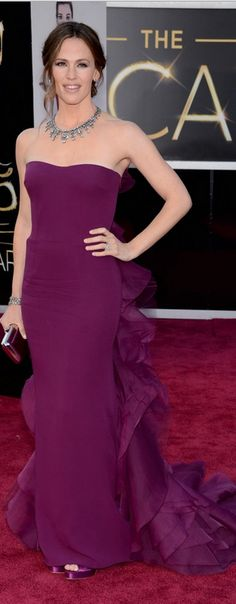 Jennifer Garner in Gucci gown, Roger Vivier clutch, and Neil Lane jewelry at the 85th Academy Awards, Oscars 2013