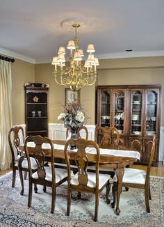 English Country dining room - homeyou ideas #diningroom #interiordesign #homedecour