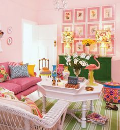Guest room - Pink and Green - Style Estate -