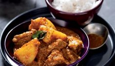 Pork massaman curry A slow-cooked Thai curry, ideal for inexpensive cuts of meat. Pork Recipes, Slow Cooker Recipes, Asian Recipes, Baking Recipes, Ethnic Recipes, Red Curry Recipe, Massaman Curry, Pumpkin Picking, South African Recipes