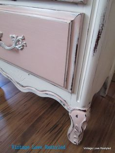 A close up of the dresser in Annie Sloan Chalk Paint™ in Pure White and Antoinette #vintageloverestyled