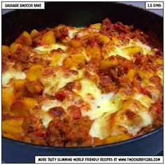 This sausage gnocchi bake is a one-pot dish and takes no time at all to make! Perfect for Slimming World, tasty and a bit different! Remember, at… Slimming World Sausages, Slimming World Dinners, My Slimming World, Slimming World Recipes, Baked Gnocchi, Gnocchi Recipes, Gnocchi Sausage, Slow Cooker Recipes, Cooking Recipes