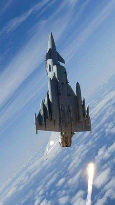 eurofighter typhoon x aircraft wallpaper Military Jets, Military Aircraft, Modern Fighter Jets, Plane Photos, F4 Phantom, Air Fighter, Jet Plane, Royal Air Force, Fighter Aircraft