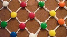 File:Gingerbread house lattice wall.jpg
