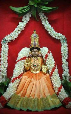 Gauri Decoration, Growing Sunflowers, Lord Murugan, Puja Room, Bridal Blouse Designs, Goddess Lakshmi, Hindu Deities, God Pictures, Hindu Art