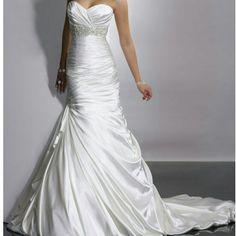 Selling this Wedding dress in my Poshmark closet! My username is: amberb77. #shopmycloset #poshmark #fashion #shopping #style #forsale #Dresses & Skirts