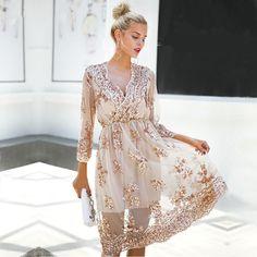 3f5f2f4cb 60 melhores imagens de Bordados | Ballroom dress, Black corset dress ...