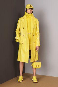 Versace Pre-Fall 2018 Collection Photos - Vogue