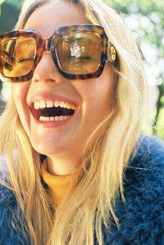 Gucci Sunglasses, Ray Ban Sunglasses, Sunglasses Women, Sunnies, Trending Sunglasses, Retro Sunglasses, Jimmy Choo, Look Fashion, Autumn Fashion