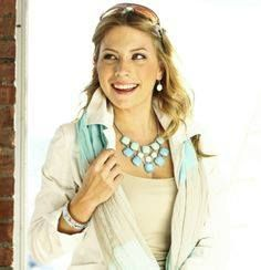 this is our blonde blue necklace !!!