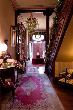 Victorian Christmas, beautiful. Vaile Masion