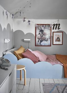 A blue scandinavian home, photo Jonas Gustavsson Boy And Girl Shared Room, Boy Girl Room, Shared Rooms, Nordic Home, Scandinavian Home, Built In Bed, Kids Room Art, Kids Rooms, Designers Guild