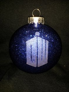 Dr+Who+Etched+Ornament+with+Glitter+by+LunerGoonerGifts+on+Etsy,+$4.50