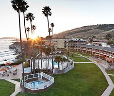 U S Beachfront Hotels Under 200 Seacrest Oceanfront Hotel Pismo Beach On Pacific Coast Hwy
