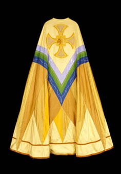 Phyllis Lehmberg works in silk, utilizing metallic threads. She creates vestments, paraments, and banners.