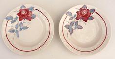 2 assiettes creuses, Digoin et Sarreguemines, modèle SOBRAL, rose rouge