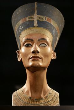 Queen Nefertiti's Legendary Lost Tomb May Have Been Discovered Inside King Tut's Burial Chamber