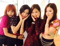 BLACKPINK // Lisa-Jisoo-Jennie-Rosé