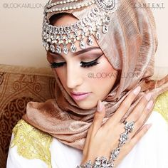 Arabic Bridal Party Wear Makeup Tutorial Trends contains middle east, Egyptian, Turkish Eye & Complete Face makeup ideas & stunning looks! Islamic Fashion, Muslim Fashion, Hijab Fashion, Women's Fashion, Turban, Bridal Hijab, Wedding Hijab, Pakistani Bridal, Bridal Dresses