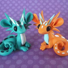 Teal and Orange Couple by DragonsAndBeasties on Etsy Polymer Clay Dragon, Sculpey Clay, Polymer Clay Figures, Polymer Clay Animals, Cute Polymer Clay, Polymer Clay Dolls, Cute Clay, Polymer Clay Projects, Polymer Clay Charms