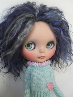 Blythe with graying hair ... I adore!