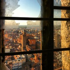 """Foto scattata da una """"finestrella"""" della Torre degli Asinelli"""