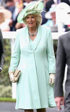 30 Beautiful Fashion Inspiration From Royal Ascot - Nona Gaya Camilla Duchess Of Cornwall, Duchess Of Cambridge, Beautiful Dresses, Nice Dresses, Royal Clothing, Royal Ascot, New Wardrobe, Zara Dresses, Princess Diana