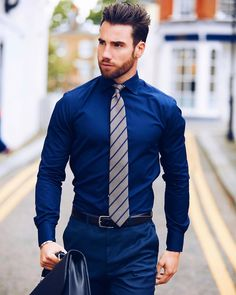 Shirt And Tie Outfits, Mens Shirt And Tie, Suit And Tie, Mens Attire, Mens Suits, Estilo Dandy, Mens Braces, Casual Outfits, Men Casual