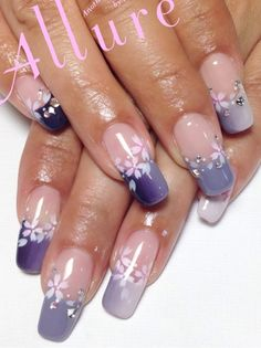 #nail #nails #nailart........    I like that design!