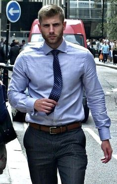 Mens Fashion Suits, Mens Suits, Swag Fashion, Costume Sexy, Formal Men Outfit, Beautiful Men Faces, Business Outfit, Business Men, Elegant Man