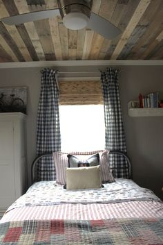 Country Bedroom...love the ceiling and quilts