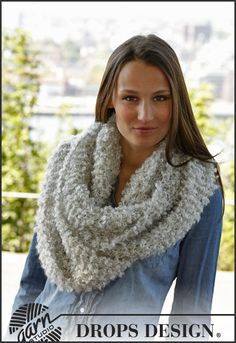 """Cozy Winter - Knitted DROPS neck warmer in garter st in 1 thread """"Puddel"""" or 2 threads """"Alpaca Boucle"""". - Free pattern by DROPS Design Drops Design, Knitting Patterns Free, Free Knitting, Free Pattern, Sewing Binding, Boucle Yarn, Point Mousse, Garter Stitch, Knitting For Beginners"""