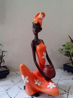 Africana African Figurines, African Dolls, African Sculptures, Africa Art, Tropical Art, Women Figure, Black Women Art, Doll Crafts, African Women