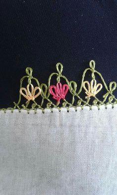 This Pin was discovered by Eli Crochet Unique, Needle Lace, Eminem, Tatting, Needlework, Diy And Crafts, Embroidery, Stitch, Sewing