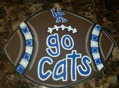 Kentucky football door hanger Wooden Door Signs, Front Door Signs, Front Door Decor, Wooden Doors, University Of Kentucky Football, Kentucky Wildcats, Football Door Hangers, Wooden Wreaths, Burlap Door Hangers