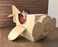 projects to do with the girls DIY cardboard airplane Cardboard Airplane, Big Cardboard Boxes, Cardboard Box Crafts, Cardboard Toys, Airplane Crafts, Cardboard Playhouse, Cardboard Box Ideas For Kids, Cardboard Furniture, Airplane Party Food