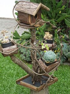 Troncos e cipós Tomato Cages, Potted Plants, Bird Feeders, Container Gardening, Fountain, Clay, Exterior, Outdoor Decor, Handmade